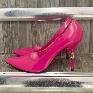 Le Chateau | Pink Pointed Toe Patent Leather Heels
